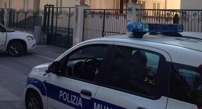 Pompei - Clandestini e senza permesso di soggiorno in un ...