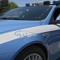 Napoli - Droga negli slip, arrestato spacciatore. Polizia sequestra cocaina e soldi