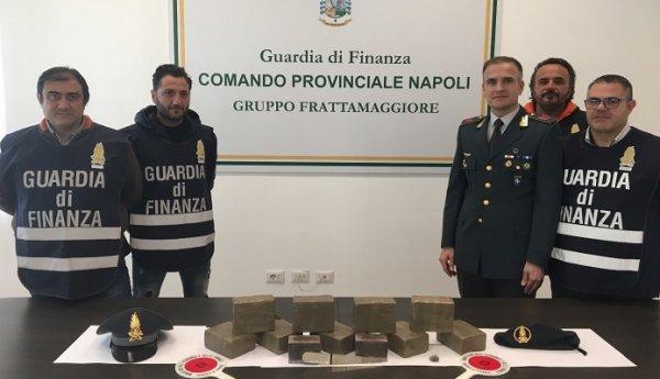 Napoli Sequestrati 10 Kg Di Hashish In Manette 39enne Napoletano Torresette