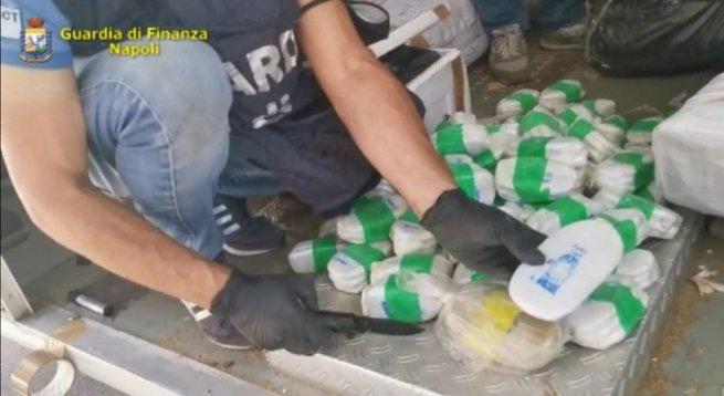 Maxi Sequestro Di Droga Nel Porto Di Salerno 3 Tonnellate Tra Hashish E Amfetamine Torresette