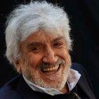 Addio a Gigi Proietti, deceduto all'alba di questa mattina in una clinica romana