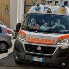 Torre Annunziata - Ragazza tenta il suicidio impiccandosi nel bagno del negozio