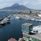 Castellammare di Stabia- Esplosione su un'imbarcazione nel porto di Marina di Stabia: muore una ragazza